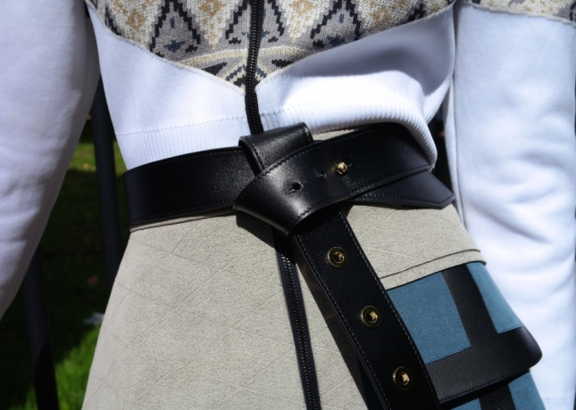 louis-vuitton-tie-the-knot-eyelets-belt