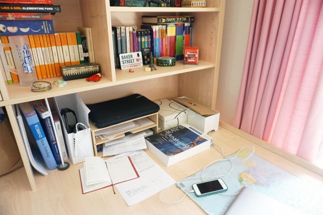 4 desk